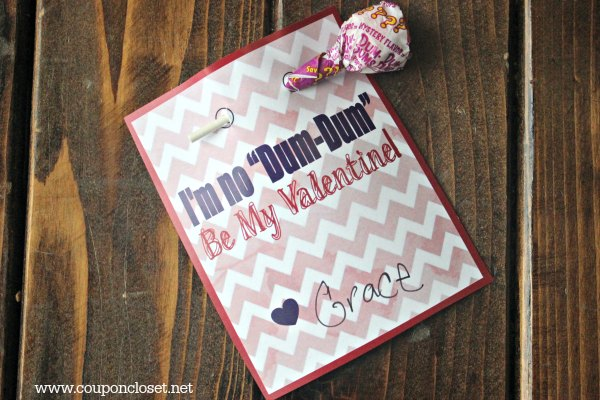 Free printable Valentines for kids - Don't be a dum-dum valentine is the cutest homemade Valentines for kids! They are perfect for children to make.
