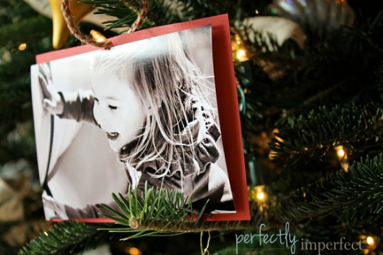 Make one of these easy homemade photo gift ideas for Christmas, a birthday or any occasion. I know grandparents would love these homemade photo gift ideas.