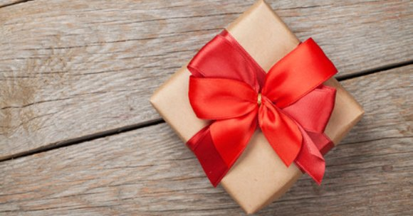 Here are some Valentines Gifts for him that your husband or boyfriend will love. 25 Frugal Valentine's day gifts for him that won't break your bank.