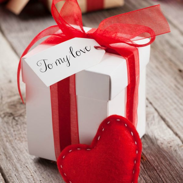 Check out these over 25 romantic Valentine's day gifts for her! Here are over 25 great Valentines day gift ideas that she will love and are affordable! These gifts range from jewelry to baskets to flowers and creative gift ideas. These are perfect for your girlfriends or your wife this year and are great for a teenager too! #onecrazymom #valentinesday #giftideas